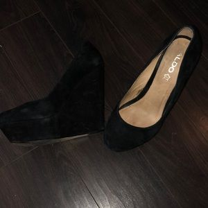 Also wedge heals size  10 only worn once.